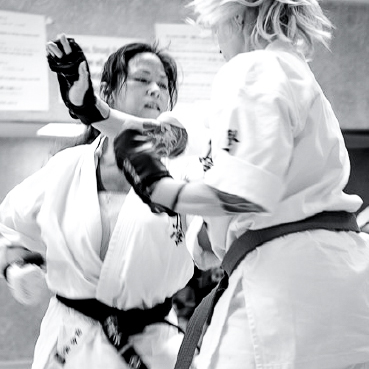 Naoko Senpai 20-kumite